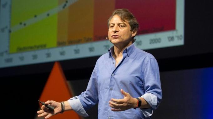 PETER DIAMANDIS, ESPECIALISTA EN INNOVACIÓN: 'LA TECNOLOGÍA NO DESPLAZARÁ AL SER HUMANO'