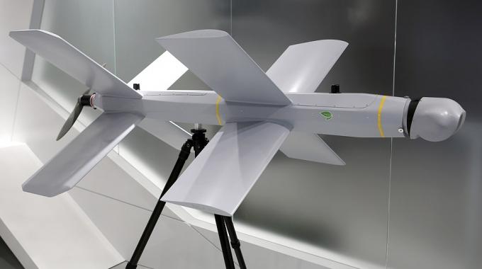 DRONES KAMIKAZE QUE DESTROZAN A OTROS DRONES. ESTA EMPRESA SE ADELANTA AL FUTURO